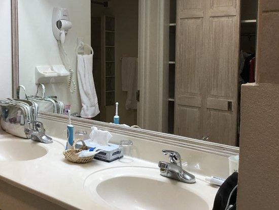Worthing, Barbados: Great bathroom