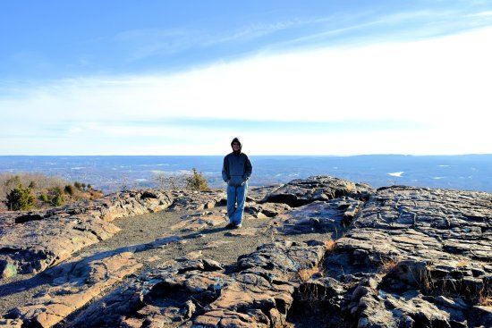 Meriden, CT: View from Castle Craig voerlook.