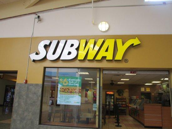 Subway Lincoln Mall R I