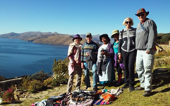 Ecolodge La Estancia: Buying sweaters from local people