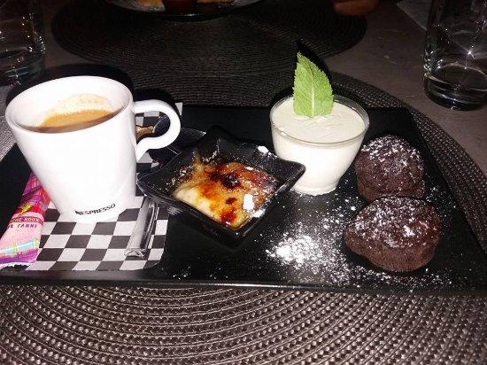 Ducos, Martinica: café gourmand
