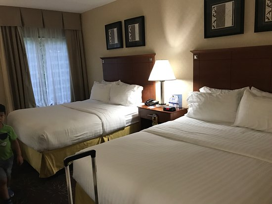 Holiday Inn Express Hotel & Suites West Chester: photo0.jpg