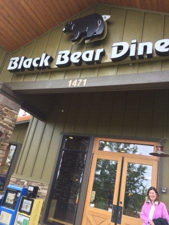 Black Bear Diner: front of diner