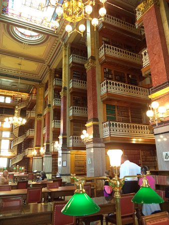 Capitol Building: the library
