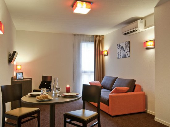 Aparthotel adagio access poitiers prices b b reviews for Appart hotel poitier
