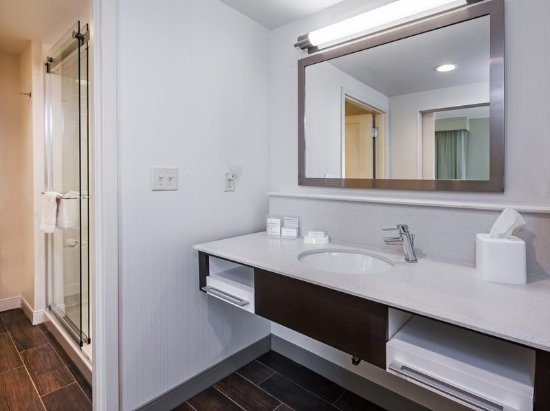 Claremore, OK: Guest Bathroom Shower