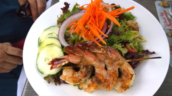 West Haverstraw, Nova York: House Salad with Grilled Shrimp