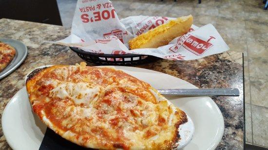 Benton, IL: Joes Pizza