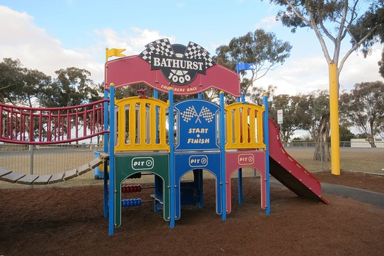 Bathurst, Australia: Playground at the top