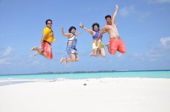 Maafushi Island: Best photos at Sand bank. PC - Aaru from Active WAtersports