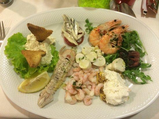 Punta Sabbioni, Italia: Un'intera cena: un belvedere