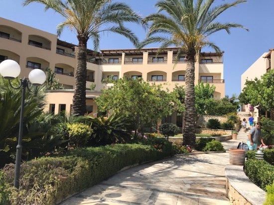 Minoa Palace Resort Photo