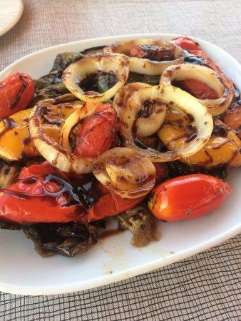 Ippokambos: Grilled vegetables