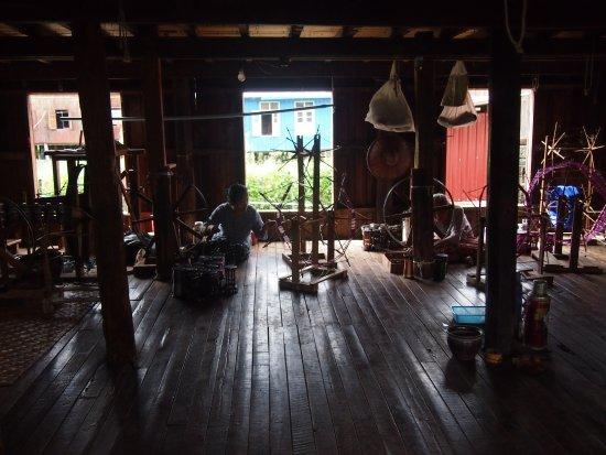 Khit Sunn Yin Lotus, Silk and Cotton Hand Weaving Centre