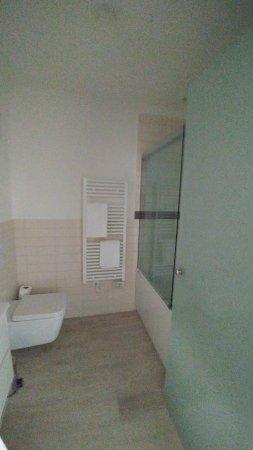 bagno zona giorno - Picture of Hotel Schweizerhof Pontresina ...