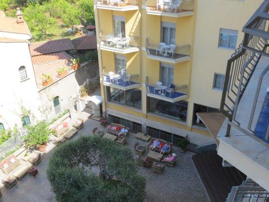 Conca Park Hotel: Courtyard area