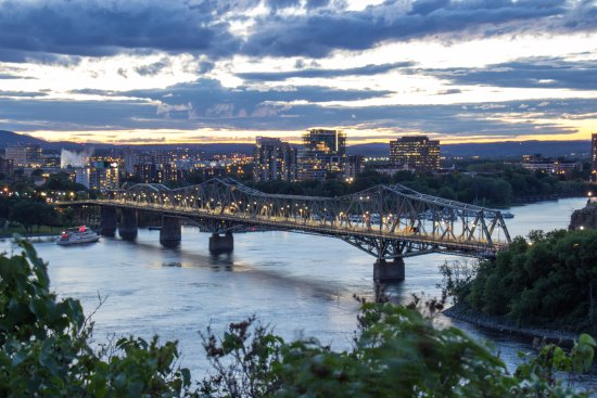 Ottawa, Kanada: Puente