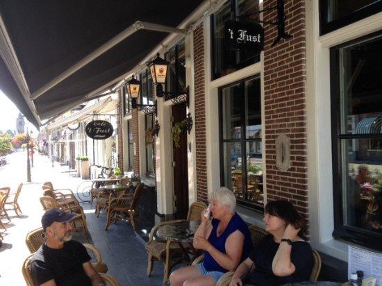Vianen, Pays-Bas : Het terras