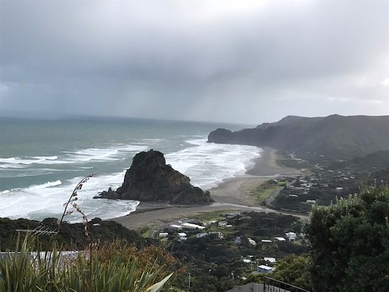 Piha, New Zealand: View from the top