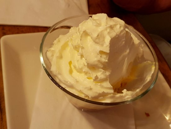 Harbour Lights Beefeater: Pimms Triffle