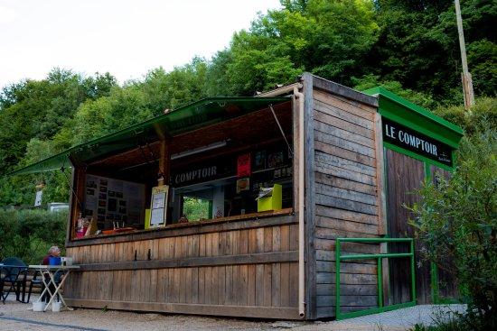 Bilieu, France: Le comptoir