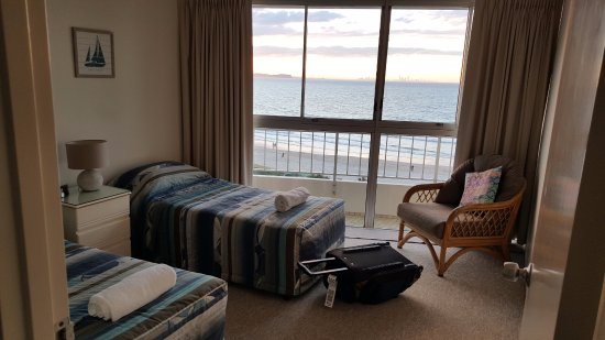 Rainbow Place: 2nd bedroom with 2 single beds and views