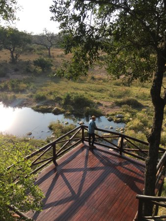 Skukuza, Sudafrica: Lodge viewing deck.