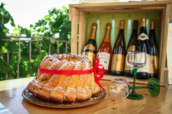 Voegtlinshoffen, Франция: Vigneron Indépendant, vins issus de vendanges manuelles et des vignes de coteaux jouxtant le vil