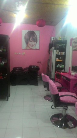 Nelly's Salon