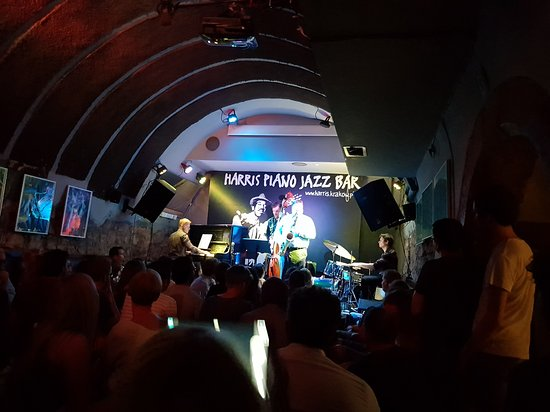 Harris Piano Jazz Bar: 20170712_220514_large.jpg