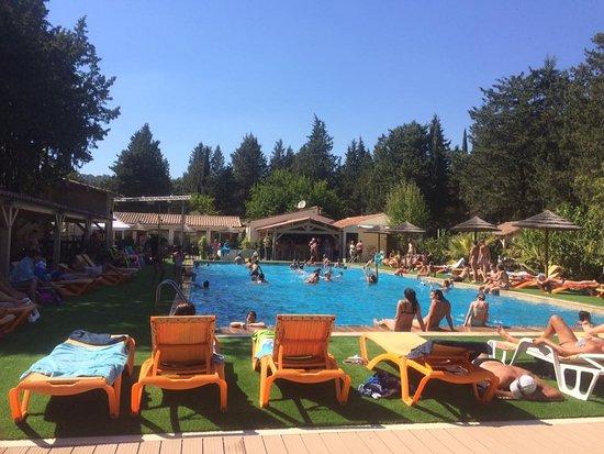 Taradeau, Frankreich: piscine de 25 m chauffée d'avril à octobre de 80 cm à 2,50m
