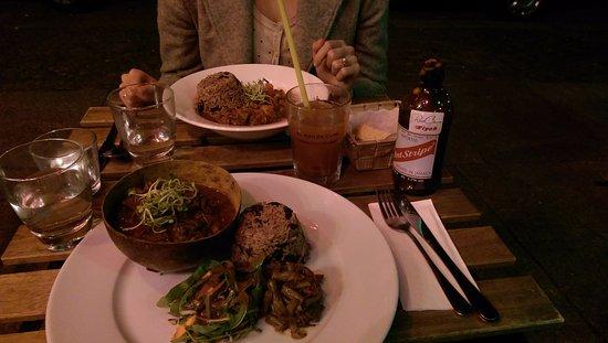 RosaCaleta: Curry goat.