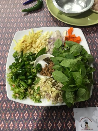 Rawai, Thailand: My wife and I had an excellent time learning how to cook classic Thai dishes. The instructor was