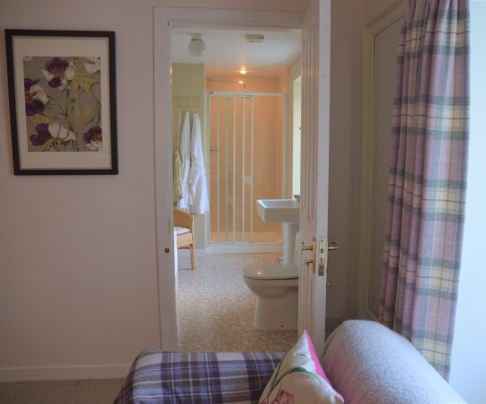 Muthill, UK: Lily's Room ensuite bathroom
