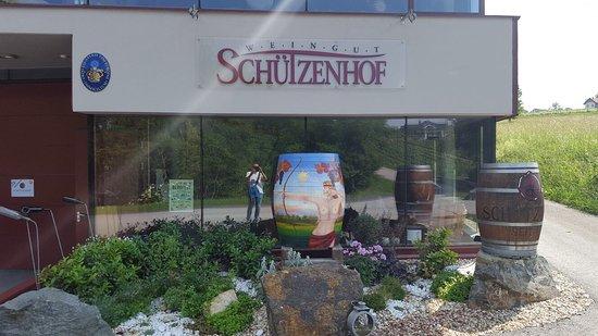Weingut Schutzenhof