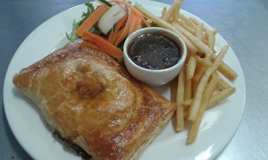 Klapmuts, Sudáfrica: Pepper Steak pie with sides