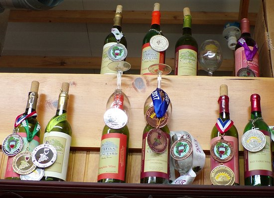 Bonifay, FL: Old Oaks Vineyard wine has won a number of awards.