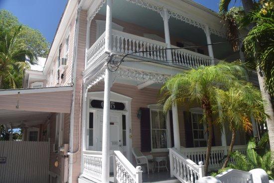 Ambrosia Key West Tropical Lodging: 615 Flemming Street
