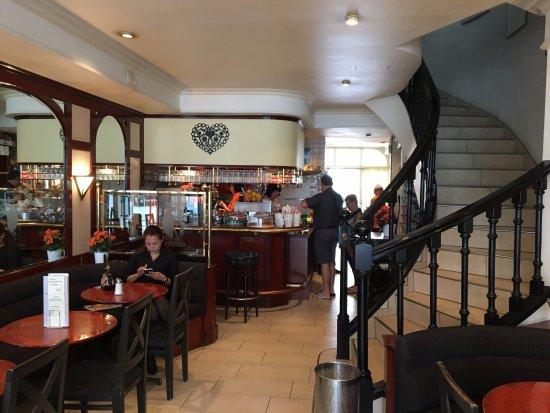 Cafeteria Emilio: Nice inside