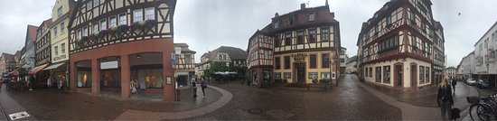 Lohr am Main, Tyskland: The landscape is from the restaurant at the hotel and the township buildings are from Altstadt L