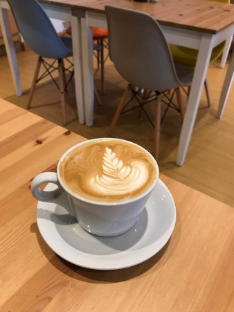 Southam, UK: Latte with some great art!