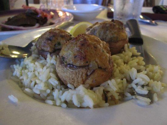 Christos Greek Restaurant: Manitaria appitizer