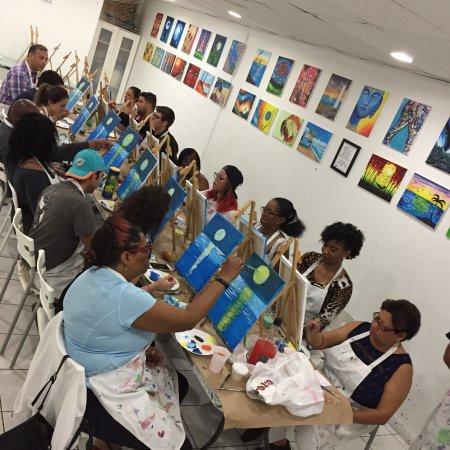 North Miami Beach, فلوريدا: BYOB Painting class at Trazos Art Academy