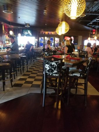 Market Grille: The Bar