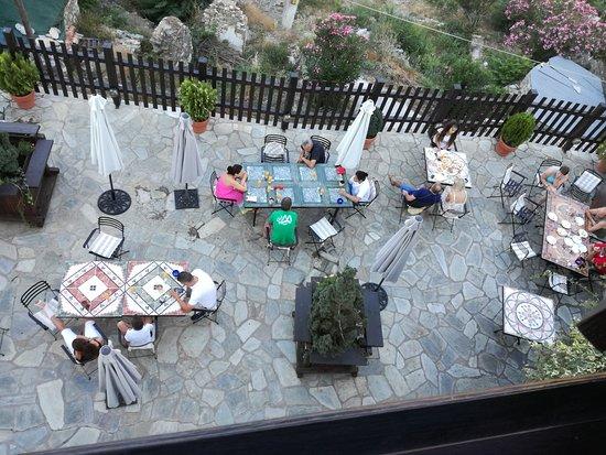 Makrinitsa, Greece: IMG_20170709_081229_large.jpg