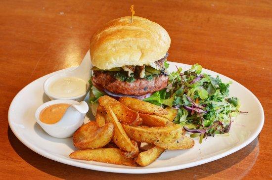 Suwanee, GA: Burger with Masala papas