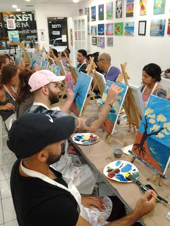 North Miami Beach, فلوريدا: BYOB Painting c