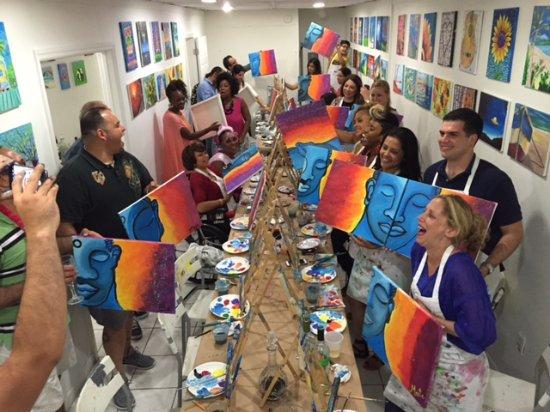 North Miami Beach, فلوريدا: Birthday Party at Trazos Art Academy