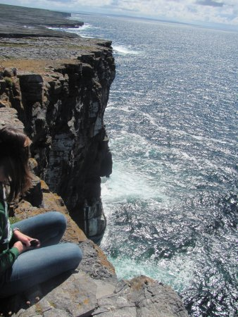 Faherty Day Tours: view from the cliffs of Dun Aonghasa