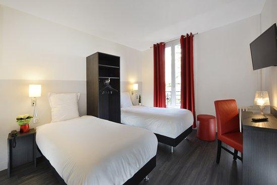 Chambre Twin Picture Of Hotel Douglas Paris Puteaux Tripadvisor